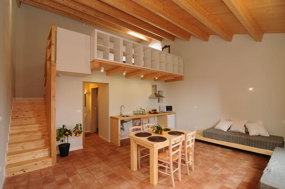 Camere appartamenti stanze il giardino degli ovali - Disposizione stanze casa ...